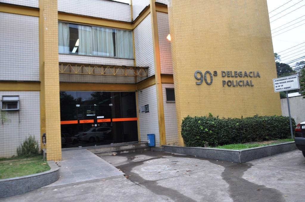 BM: homem é preso após agredir e estuprar a esposa   Jornal